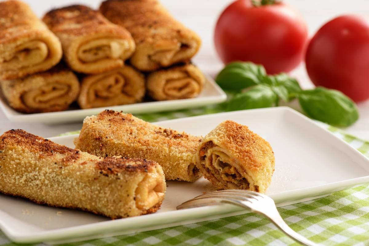 Krokiety: Polnische Pfannkuchen mit Hackfleisch