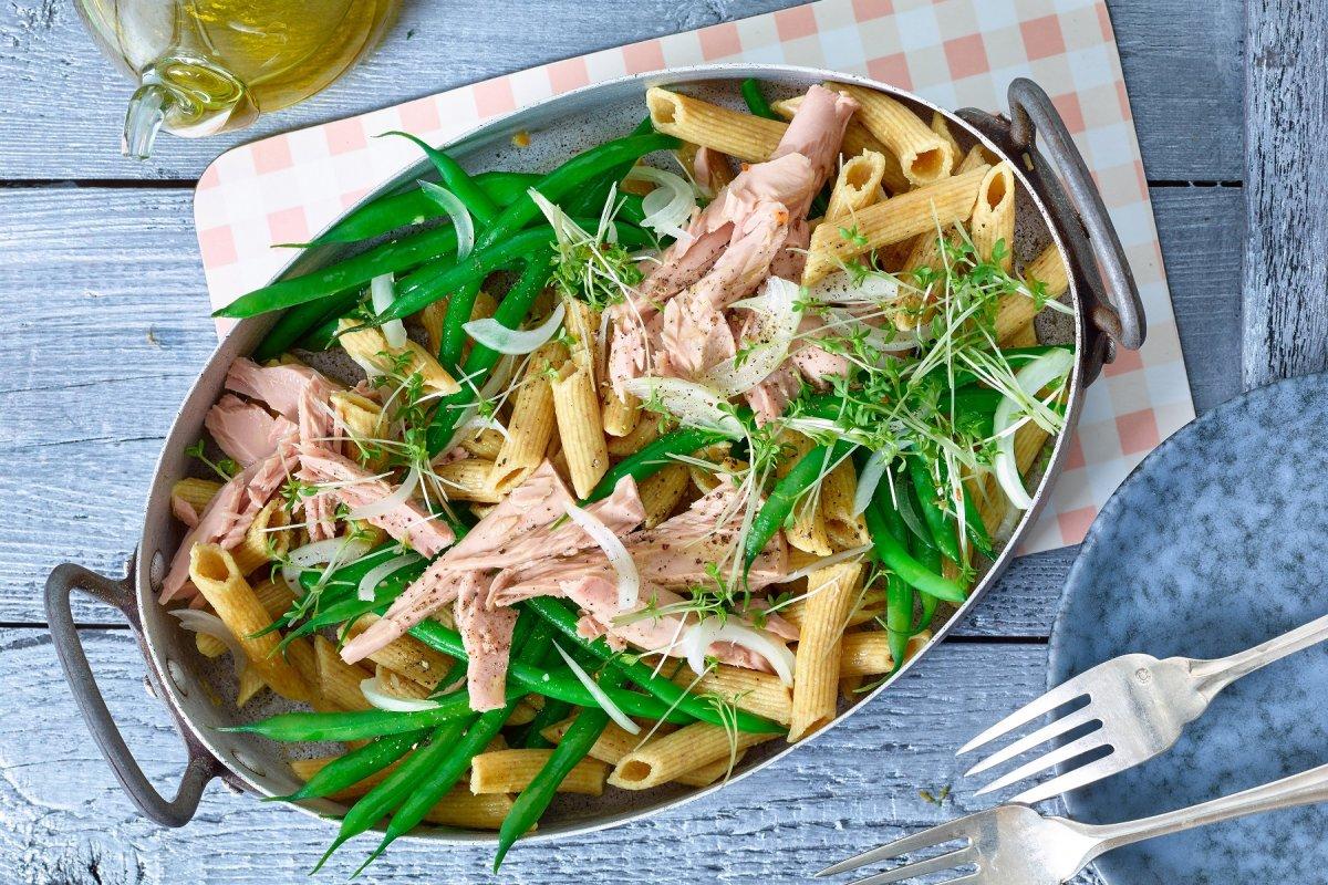 Trend-Pasta: Kichererbsen-Penne mit Thunfisch