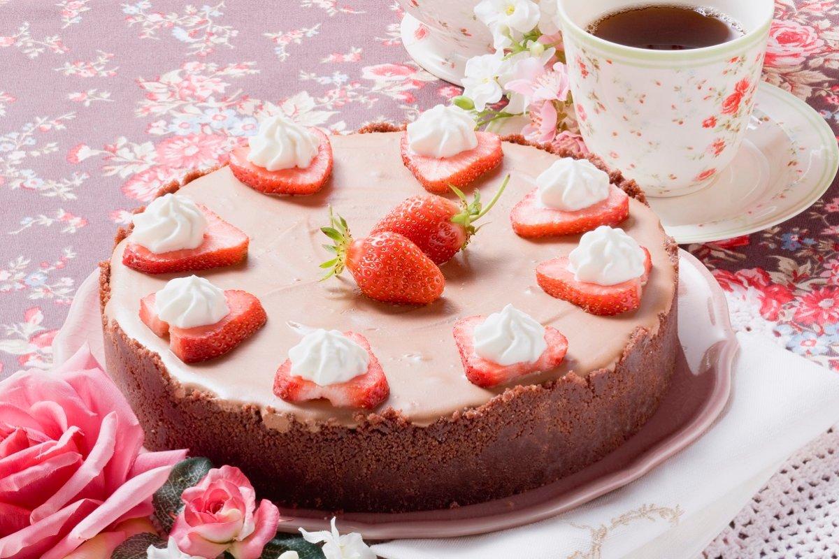 Schokoladenkäsekuchen mit Erdbeeren – muss nicht gebacken werden
