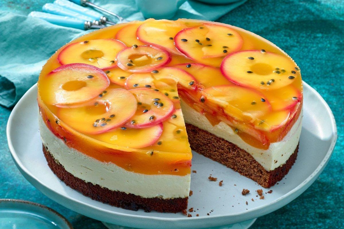 Maracujakuchen mit Apfel: Leckeres Rezept mit Schokoboden