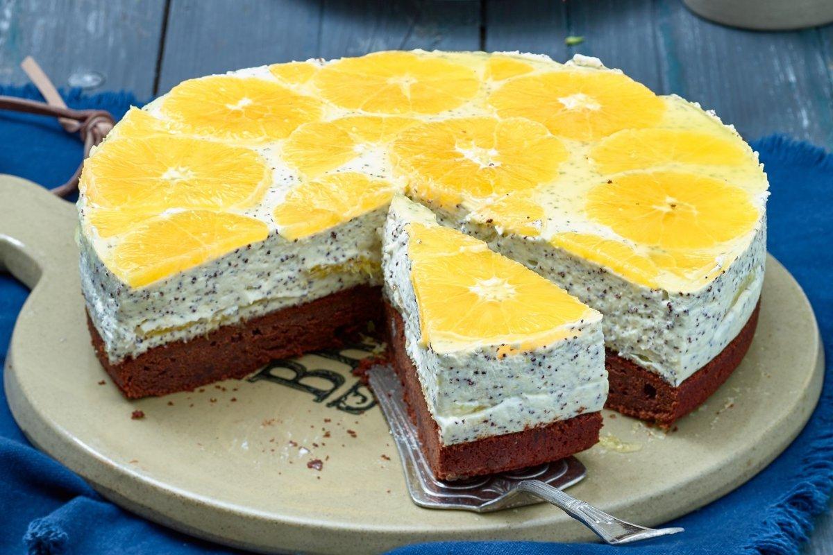 Orangentorte mit Mohnmousse: Perfekt für den Sommer