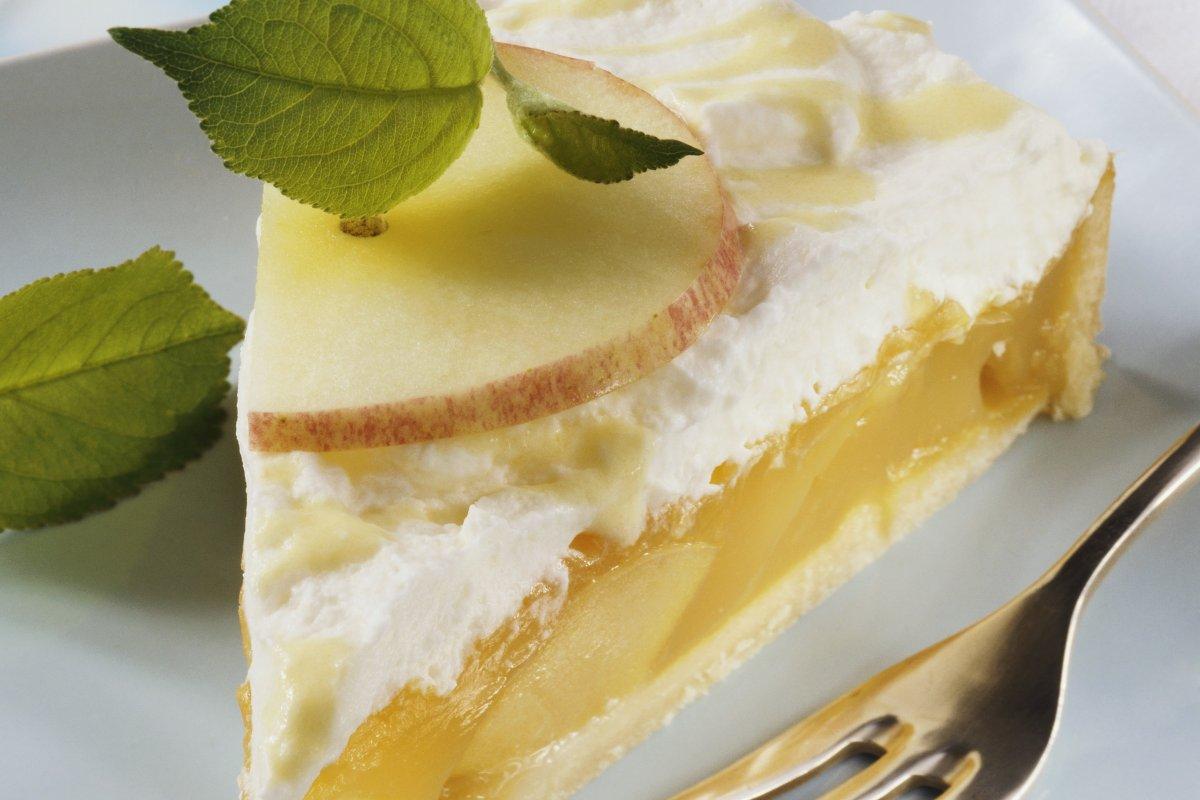 Eierlikör-Apfel-Torte: Rezept mit Vanillecreme