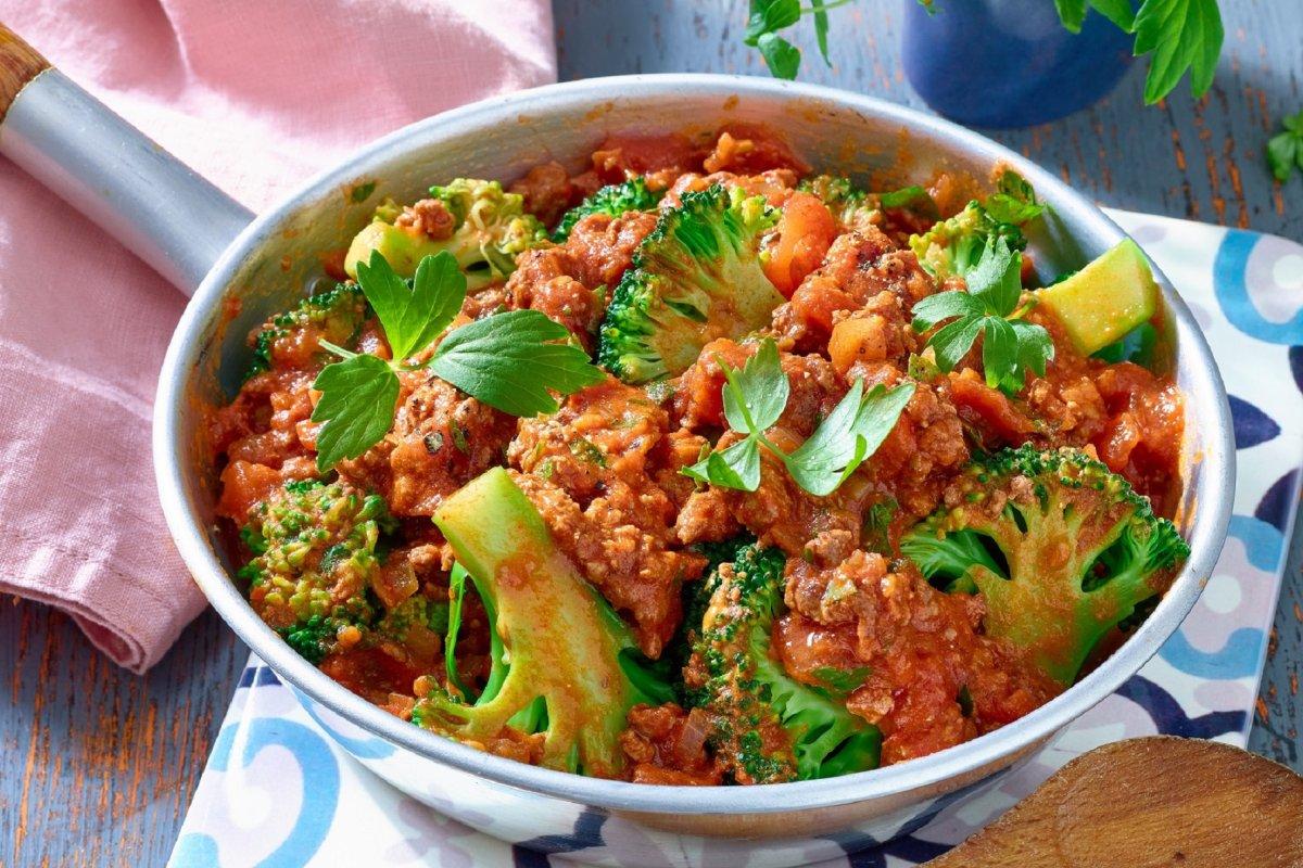 Brokkoli-Pfanne: Rezept mit Hackfleisch