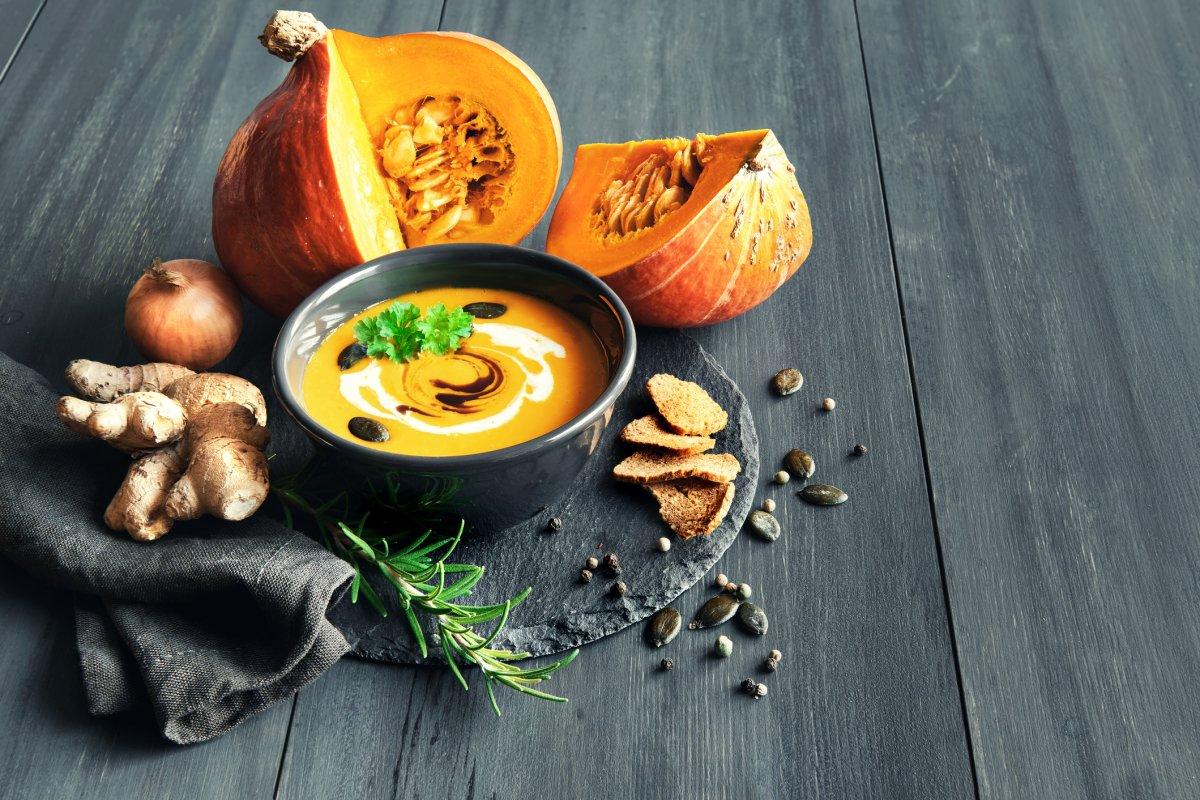 Kürbissuppe mit Ingwer: Cremiges Rezept für den Herbst