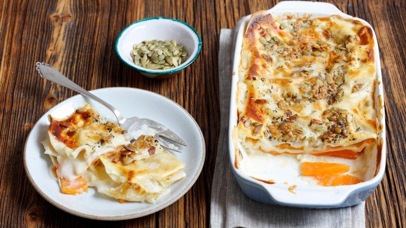 Vegetarische Kürbis-Lasagne mit Kürbiskernen