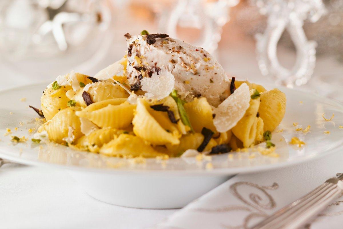Muschelnudeln mit Mascarpone und Oliven: schnell zubereitet