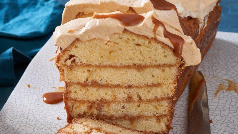 Für besonders süße Naschkatzen: Karamell-Schichtkuchen