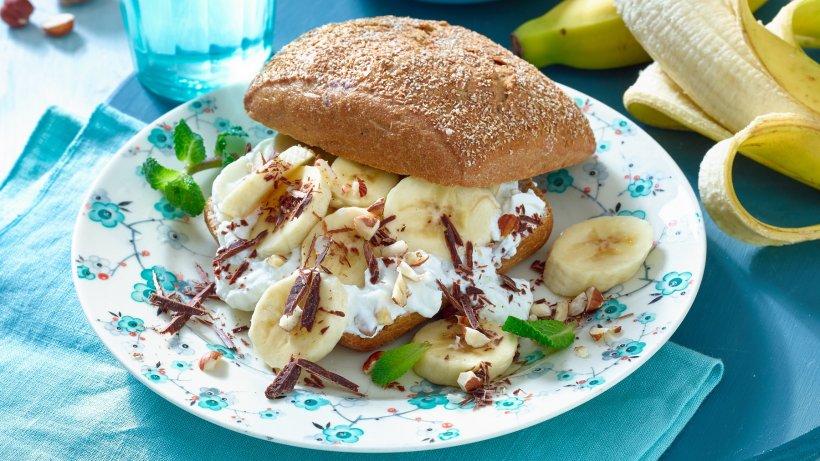 Süßes Frühstück: Bananen-Schoko-Brötchen