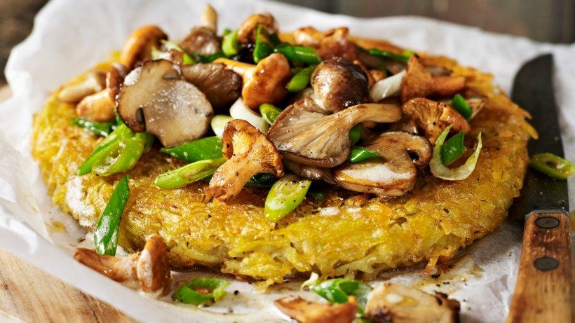 Deftiger Herbstgenuss: Kartoffelrösti mit gemischten Pilzen