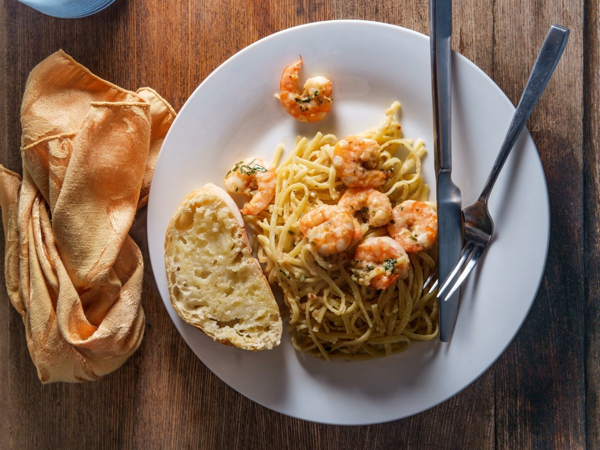 Spaghetti aglio e olio mit Garnelen Schneller Genuss ...