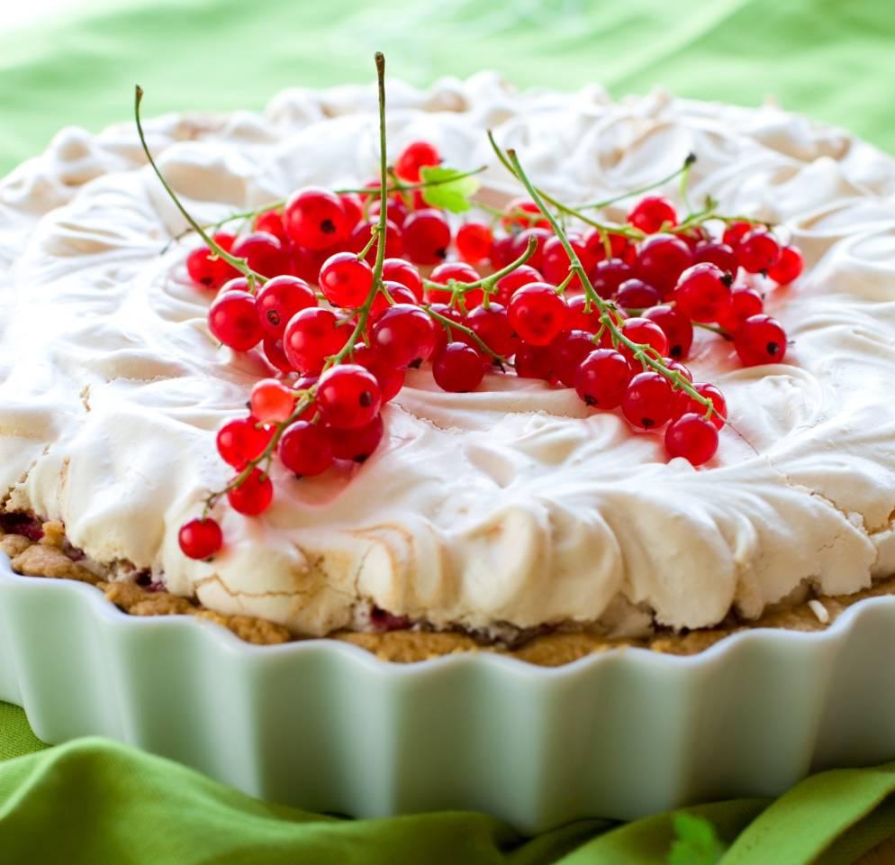 Johannisbeer Baiser Torte Rezept Fur Den Sommerlichen Genuss